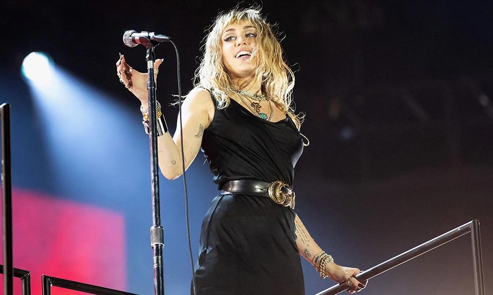 Miley Cyrus eşi Liam Hemsworth'u Kaitlynn Carter ile aldattı