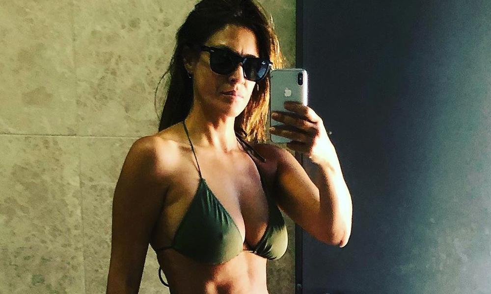 Tuğba Ekinci banyosundan bikinili poz paylaştı