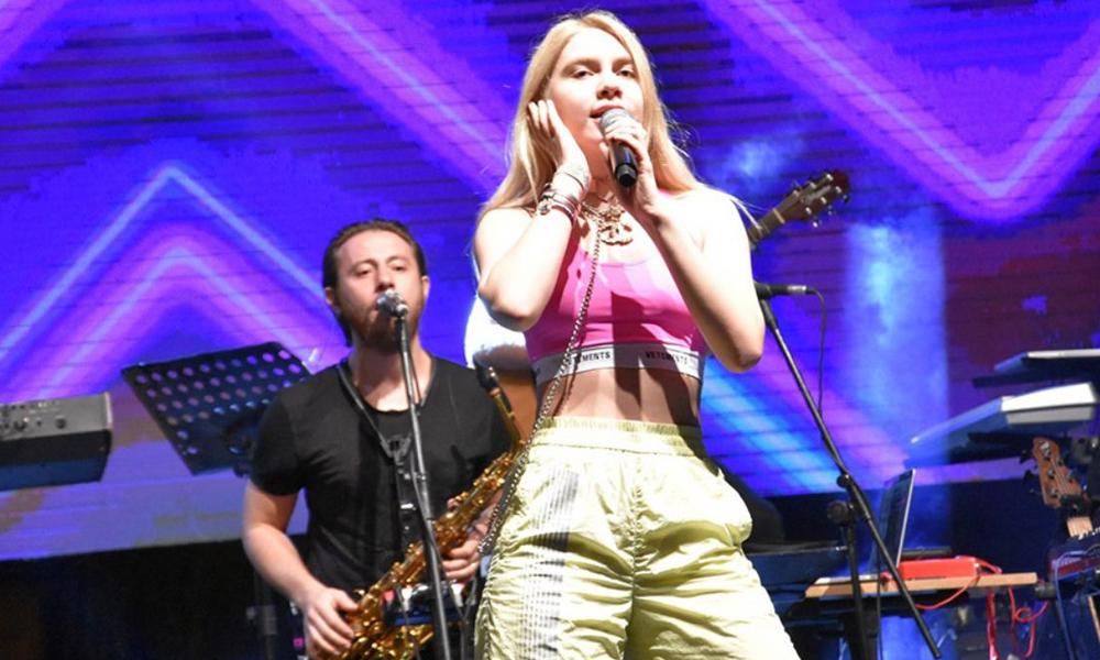 Aleyna Tilki'ye konser şoku!