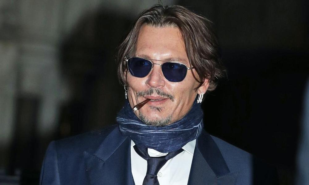 Johnny Depp Instagram ile tanıştı