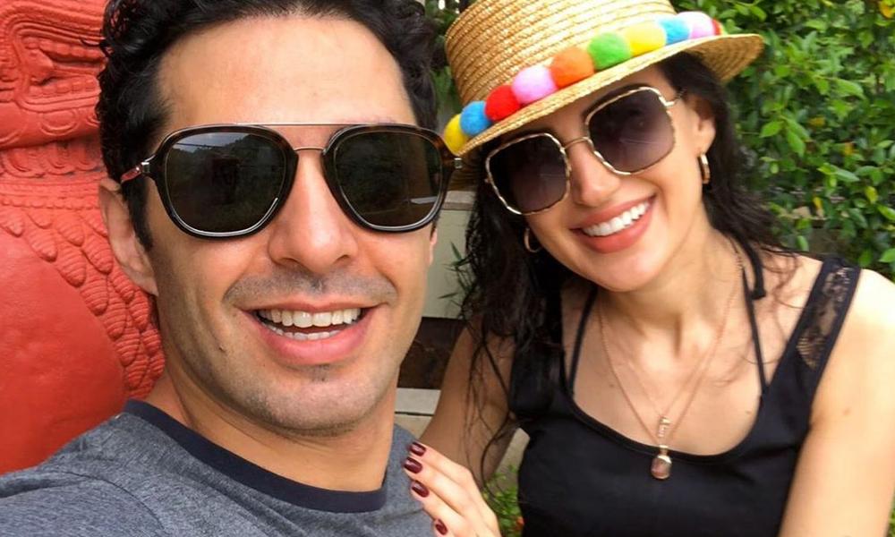 İdil-Mert Fırat çifti sosyal medyadan duyurdu