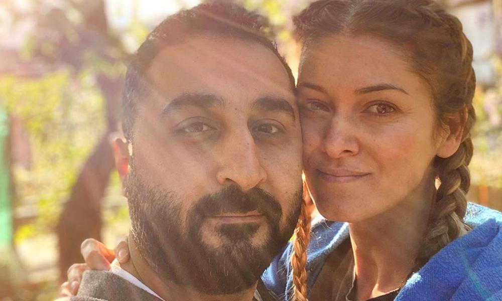 Corona virüs günlerinde sessiz sedasız evlendi!