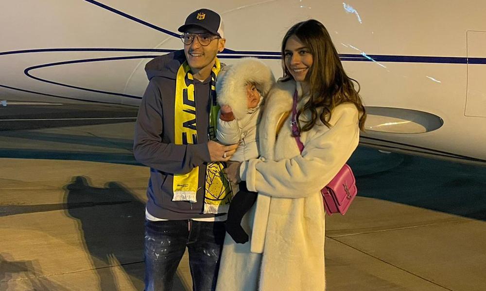 Fenerbahçe ile anlaşan Mesut Özil, İstanbul'a geldi!