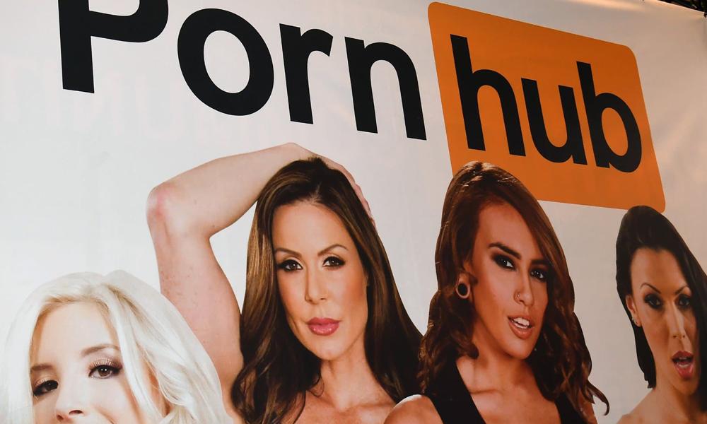 PornHub milyonlarca videoyu sildi