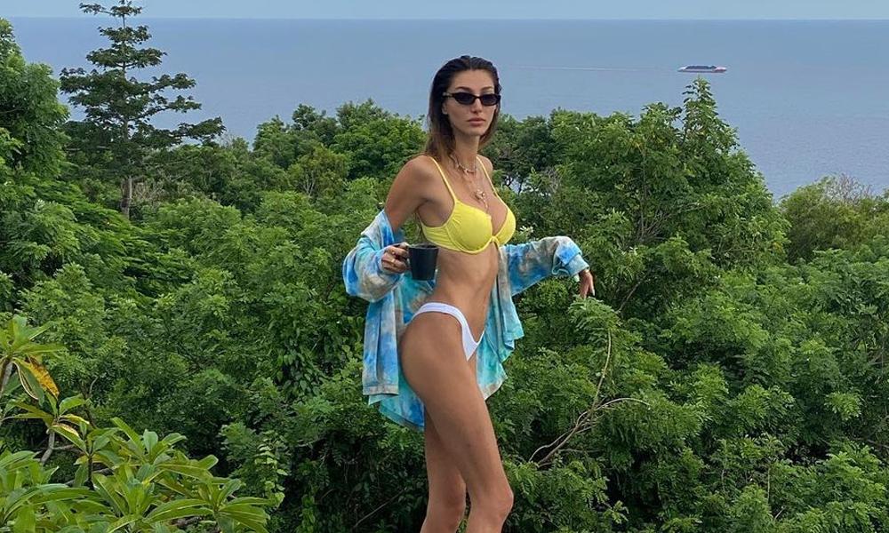 Herkes kar pozu verirken Şevval Şahin bikinili poz verdi